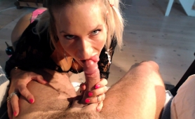 alluring-blonde-cougar-displays-her-blowjob-abilities-in-pov