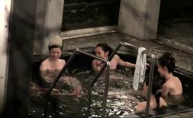 desirable-amateur-asian-ladies-taking-a-bath-on-hidden-cam